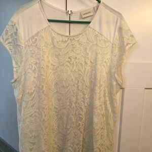 Chico's lace blouse very flattering NWOT